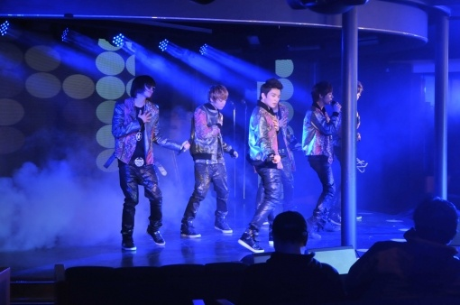 Teen Top Holds First Cruise Fan Meeting