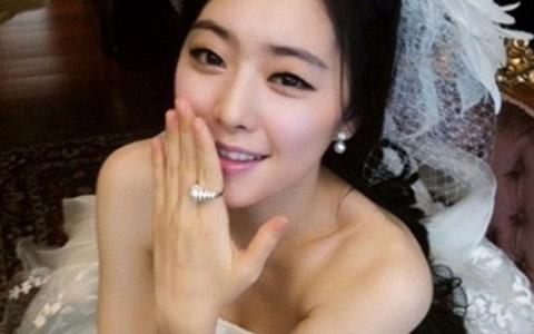 Hong Soo Ah Looks Amazing in a Wedding Dress
