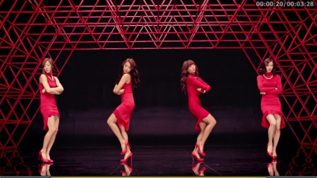 "SISTAR Unveils Full MV for ""Alone"""