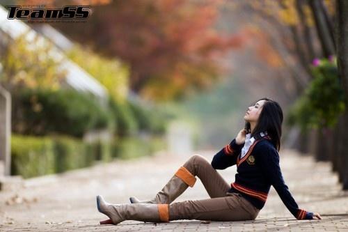 Enjoying Fall (Kim Ha Yul)
