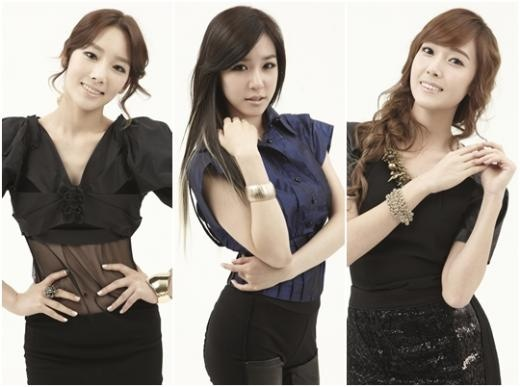 Girls' Generation's Taeyeon, Jessica, and Tiffany Reveal Childhood Photos