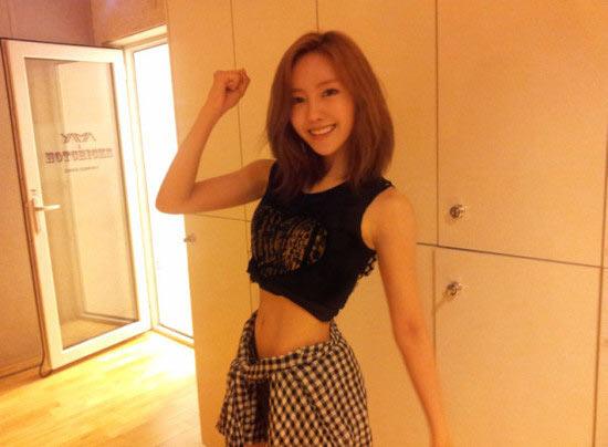 Netizens React to T-ara Hyomin's Ant-Sized Waist