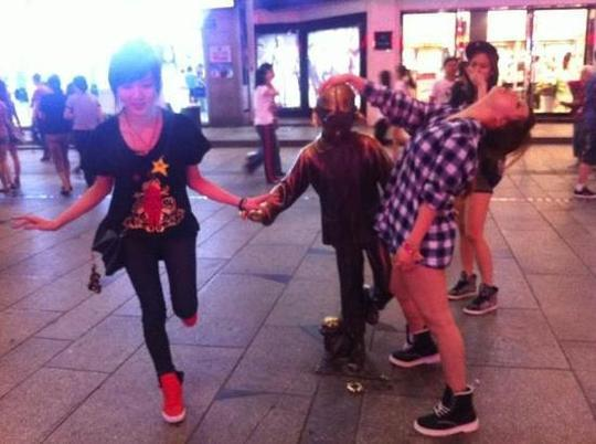 Jia and Min of miss A Go Crazy on the Streets of China?