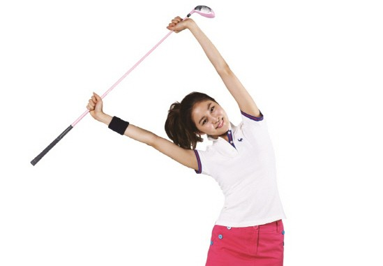 After School's Uee Transforms Into a Cute Golf Instructor for Le Coq Golf