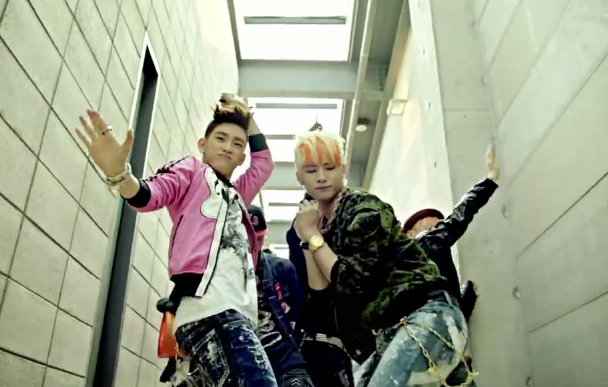 JJ Project Makes Their Debut Performance on Music Core