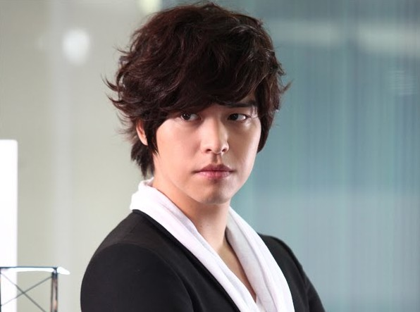Lee Jang Woo Reveals His Ideal Type of Woman