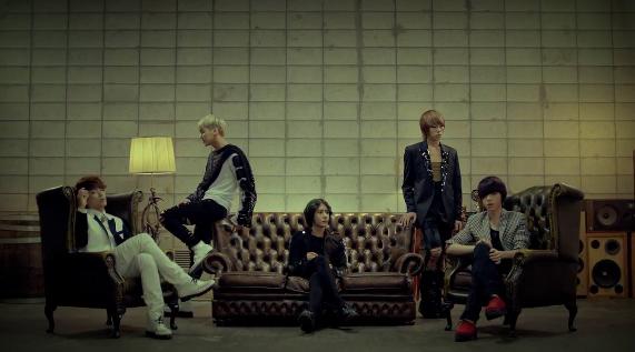 "MYNAME Releases Comeback MV for ""Hello & Goodbye"""