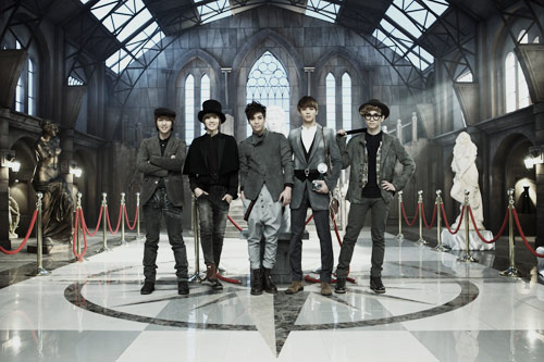 SHINee Reaches #2 on Oricon Weekly Chart