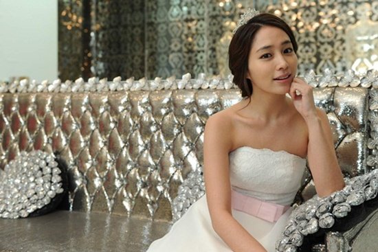 Will Lee Min Jung Finally Break Her Wedding Jinx?