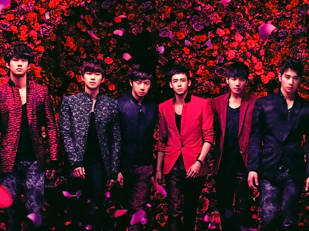 "2PM Successfully Concludes ""High Touch"" Event in Japan"