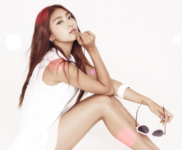 "SISTAR Reveals Bora Teaser Image for ""LOVING U"""