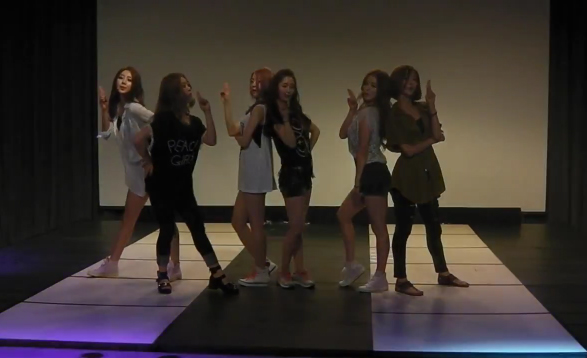 "Dal Shabet Reveals Dance Rehearsal for ""Mr. Bang Bang"""