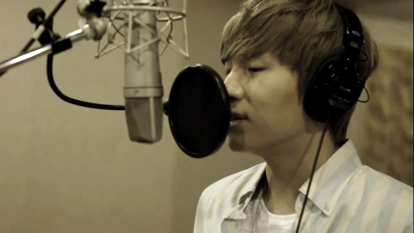 """K. Will and Jang Dong Gun's """"We Never Go Alone"""" MV Released"""