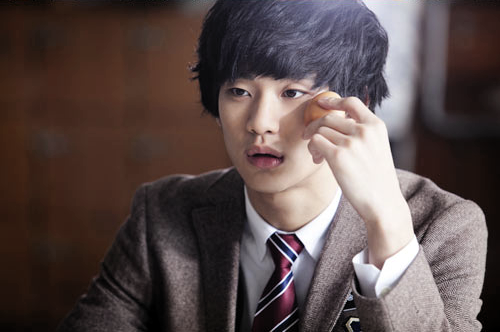 Kim Soo Hyun's Doppelganger Is…