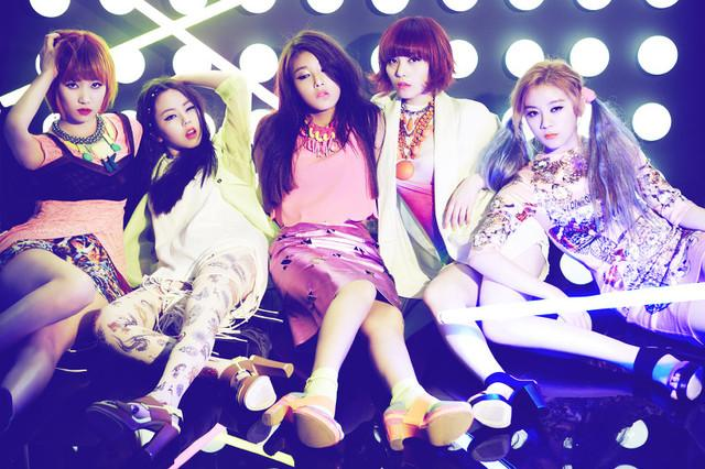 "Wonder Girls Make an Appearance at ""Boom's Young Street"" Studio"