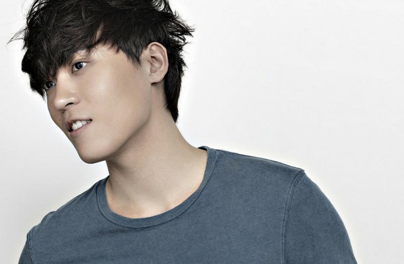 """[Exclusive] John Park talks about """"Falling,"""" Kim Eun Bi, and Dancing"""