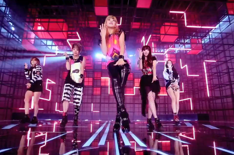 "f(x) Releases ""Electric Shock"" MV! 