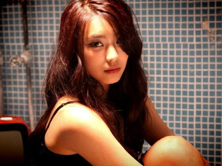 """Bora: """"I Considered Getting Plastic Surgery, But They Said No"""""""
