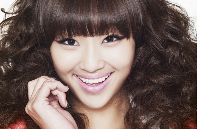 Sistar's Hyorin Wants to Get Plastic Surgery