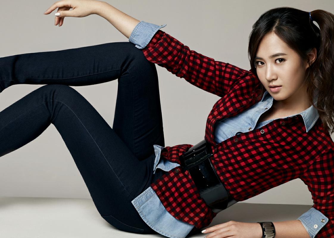 Girls' Generation's Yuri Owns the Hottest Bikini Body?