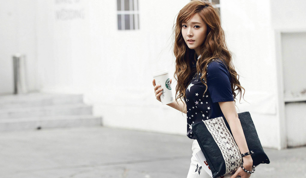 Girls' Generation's Jessica Spotted Shopping