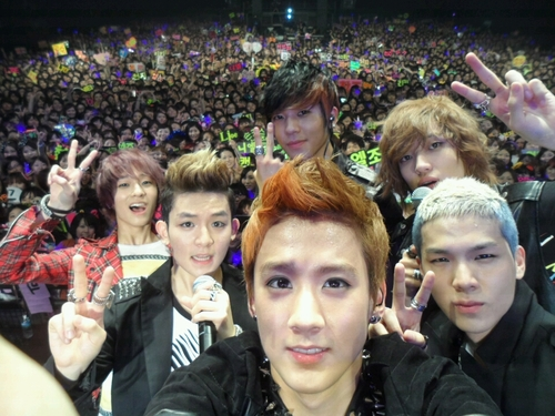 Teen Top Successfully Finishes Their First Japanese Tour