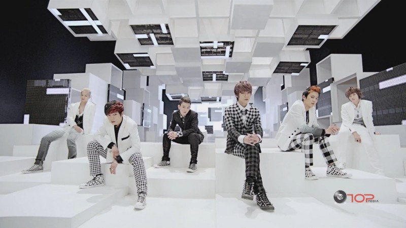 Teen Top Makes Their Comeback Performances on Inkigayo