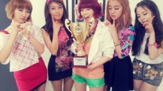 """Wonder Girls Celebrate First Win for """"Like This"""" on """"Show Champion"""""""