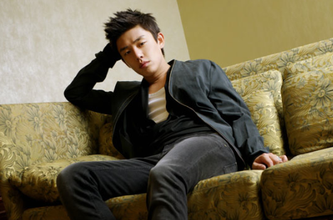 """Yoo Ah In Reveals Thoughts About His Role in """"Fashion King"""""""