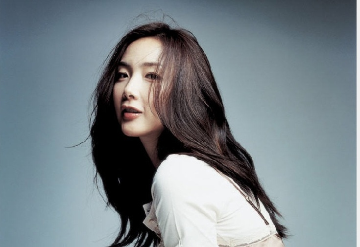 "Choi Ji Woo Returns to Small Screen as ""The Housekeeper"""