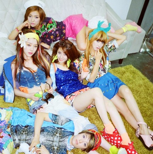 """f(x) """"Electric Shock"""" Group Photo"""