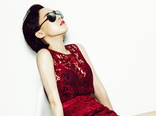 "Brown Eyed Girls' Ga In's Sexy Summer Photo Spread for ""Singles"" Magazine"