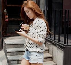 T-ara's Hyomin Flaunts Her Long Legs in Micro-sized Shorts