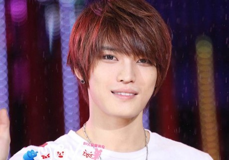 Chinese Fans Put Up Bus and Subway Advertisements for JYJ's Jaejoong