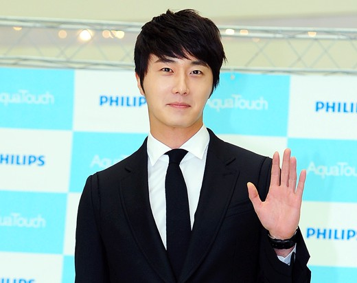 Jung Il Woo Chosen as New Face of Domino Pizza