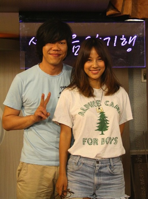 """Lee Sang Soon After Lee Hyori's Sexy Dances: """"It Feels Odd. I Think Things Might Be a Bit Awkward"""""""