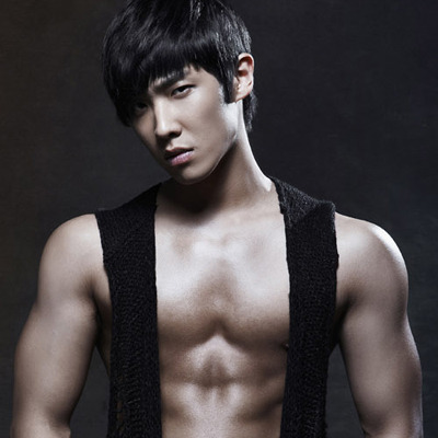 """MBLAQ's Lee Joon to Join """"The Raven"""" Movie Premiere to Support Director James McTeigue"""