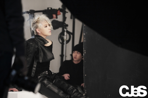 JYJ's Junsu Breaks Sales Record + Releases Dance Version MV