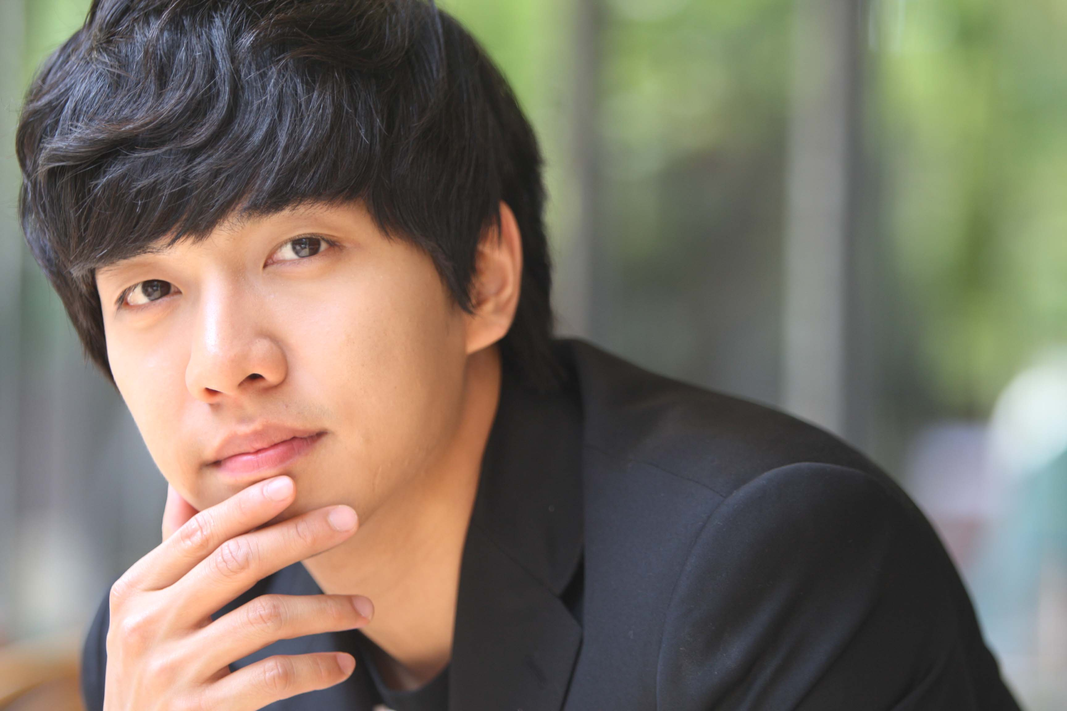 Lee Seung Gi To Hold Fan Meeting in Singapore