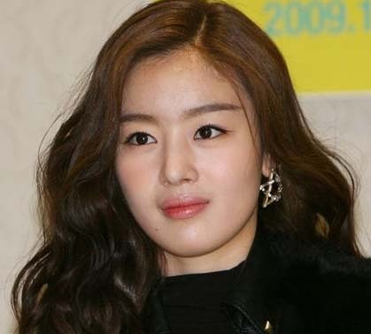 """Secret's Sunhwa: """"I Was Unstoppable in Pursuing a Man I Fell for at First Sight"""""""