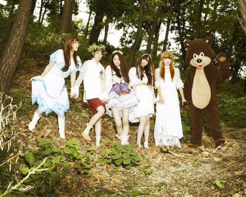 """f(x)'s """"Electric Shock"""" Conquers Korean Music Charts"""