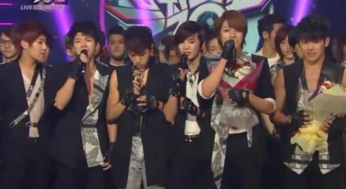 """KBS """"Music Bank"""" – 06.01.12"""