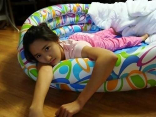 Girls' Generation YoonA's Old Photo in Kiddie Pool Revealed