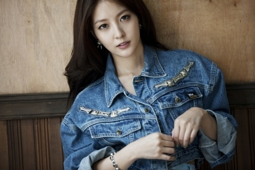 "BoA to Comeback with ""Only One"" on July 25"