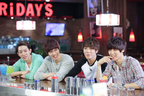CNBlue Is the New Endorser of T.G.I Friday's