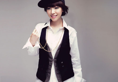 Brown Eyed Girls' Ga In Wears Mash Cap Produced by Soompi!