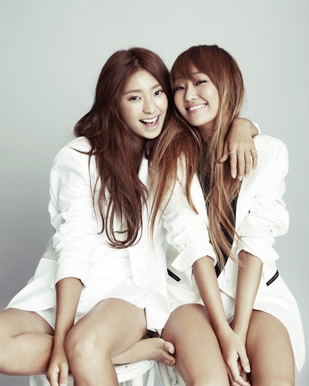 """SISTAR's Sexy and Innocent Photoshoot for """"Vogue Girl"""""""