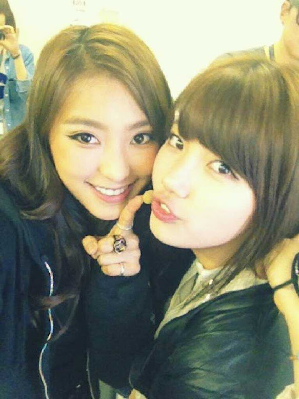 miss A's Suzy and SISTAR's Bora Disarms Their Uncle Fans with Smiles