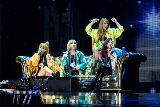 """[Exclusive Review] 2NE1's """"New Evolution"""" Concert in Seoul"""