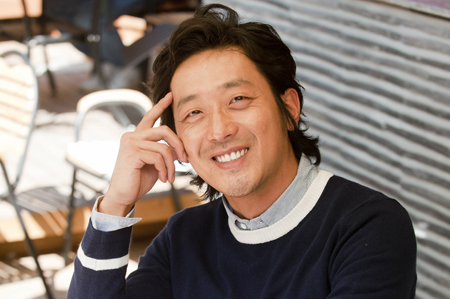 """Ha Jung Woo's Next Film to Be """"The Way Home?"""""""